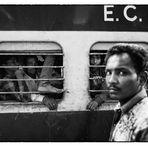 """auch wer noch nie in Indien war, jedoch """"Shantaram"""" von G. D. Roberts gelesen hat,..."""