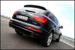 Audi Q7 *2