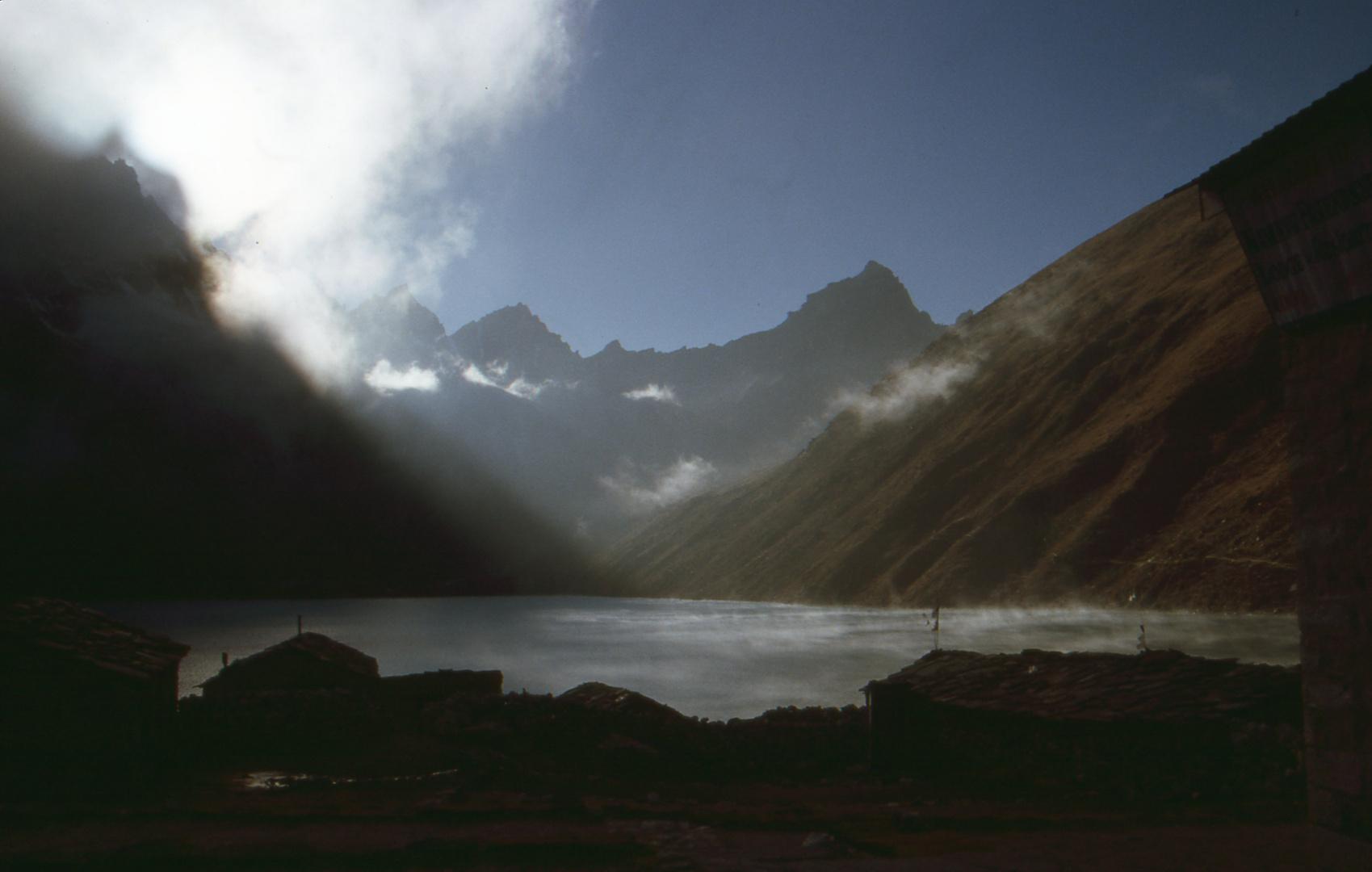 auf 4700 m in Gokyo, Nepal 2000