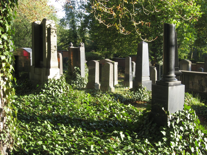 Auf dem Alten Jüdischen Friedhof Kassel 4 | Oktober 2015