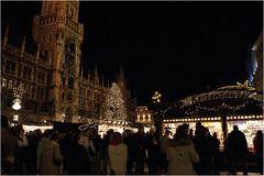 Auf dem Christkindlmarkt, München