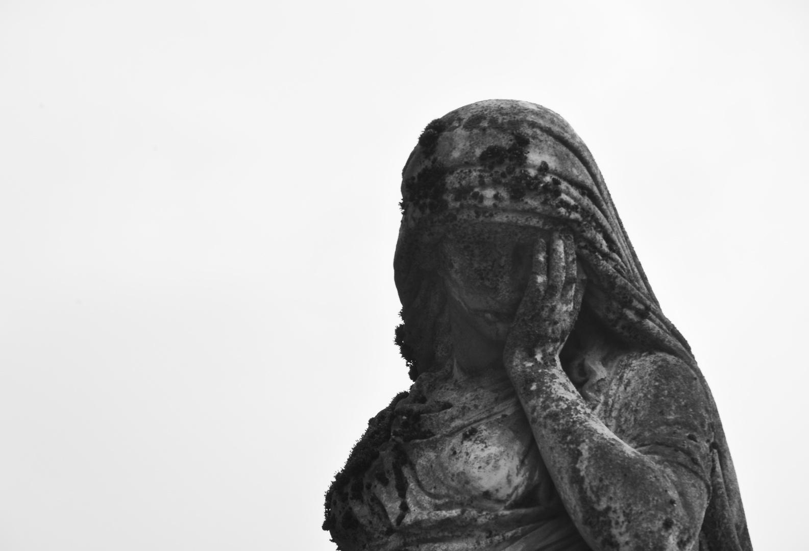 Auf dem Friedhof 1