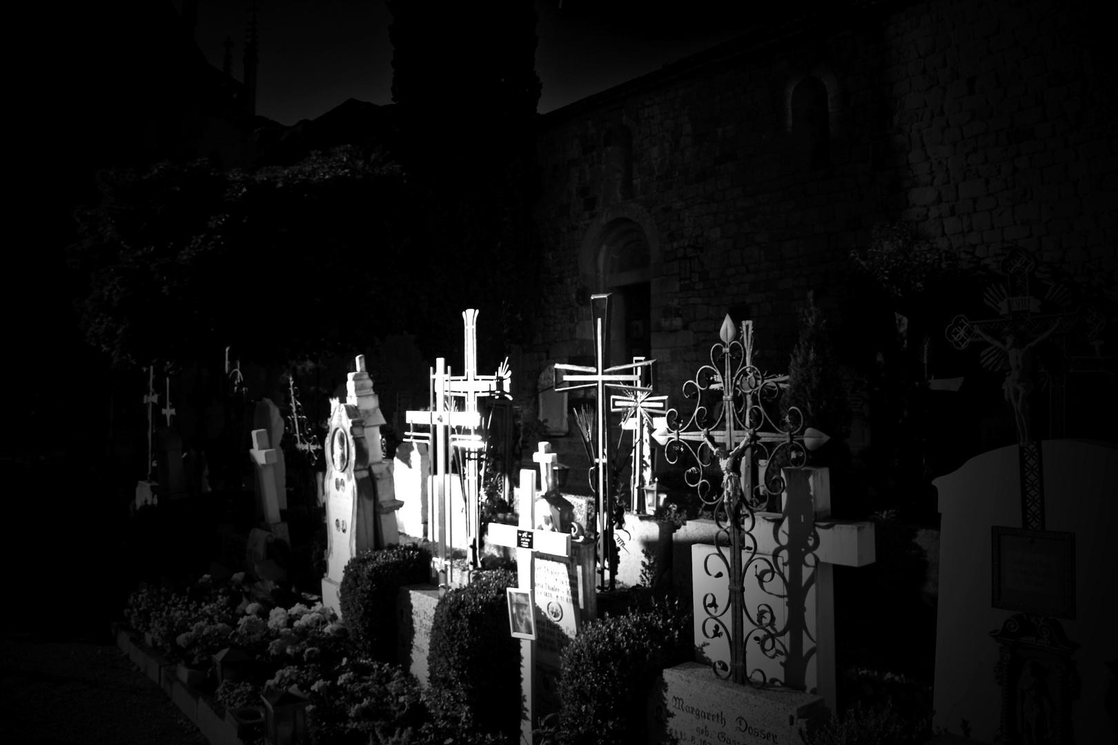 Auf dem Friedhof in Schenna 2