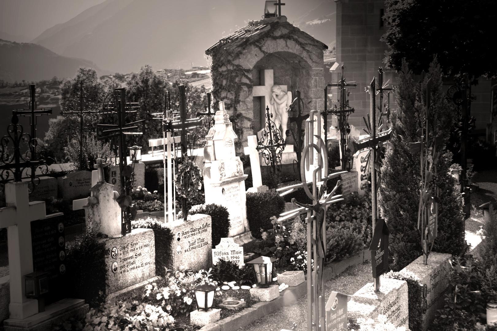 Auf dem Friedhof in Schenna