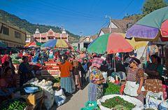 Auf dem Markt von Zunil ~ 1 ~