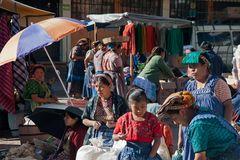 Auf dem Markt von Zunil ~ 3 ~