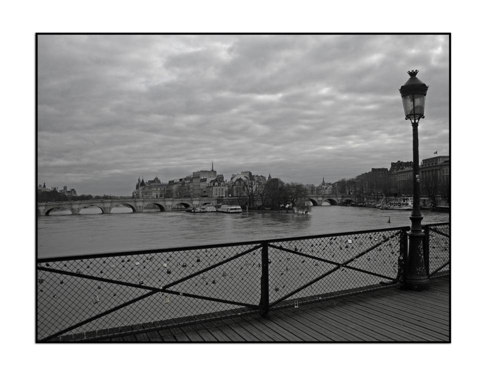 """auf dem """"Pont des Arts"""" (...diesmal in sw)"""