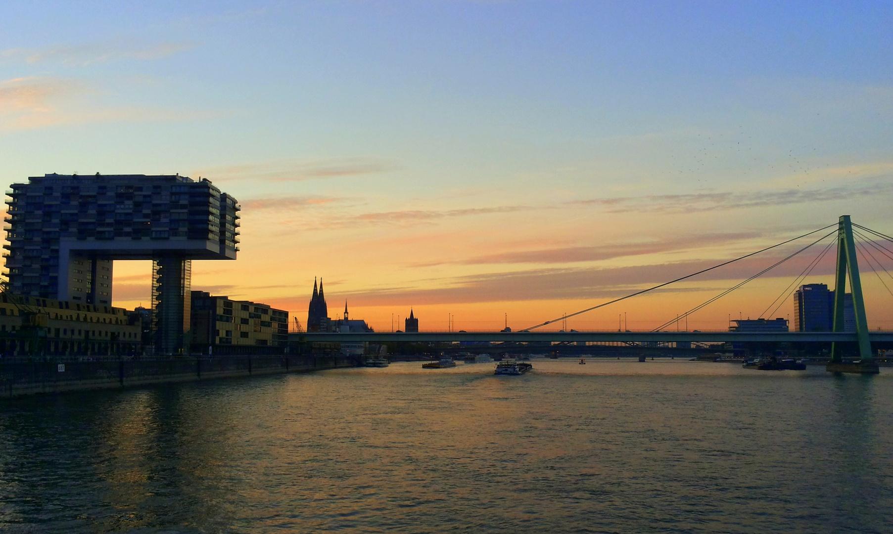 auf dem Rhein nahe Köln