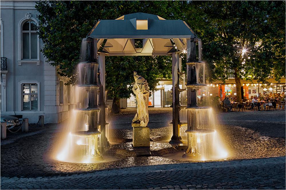 Auf dem Schloßplatz von Saarbrücken