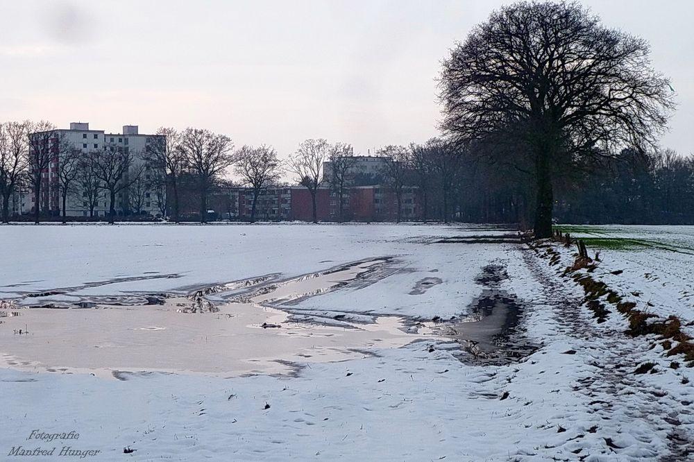 Auf dem Spaziergang - wie lange liegt der Schnee wohl noch