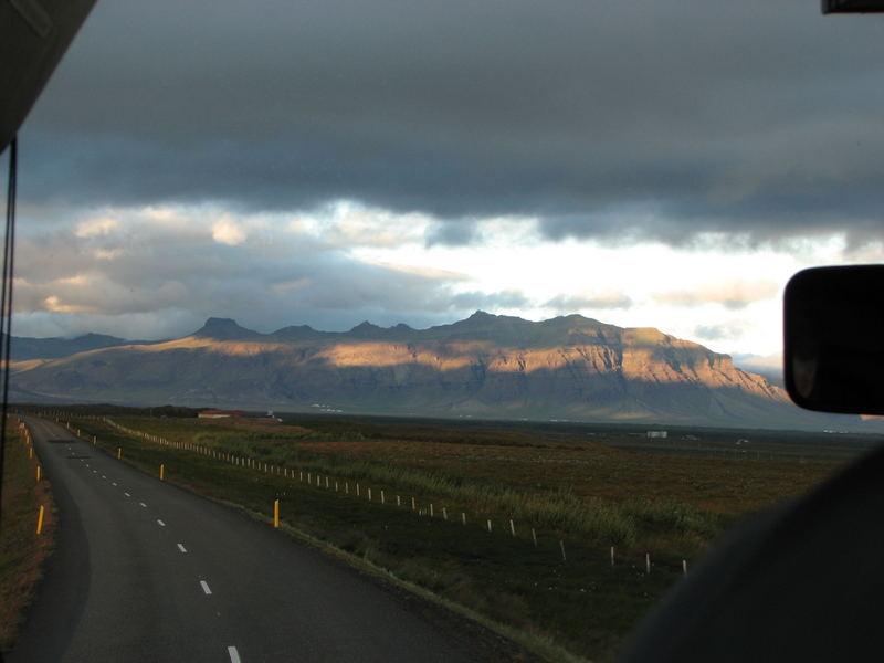 Auf dem Weg nach Reykjavík