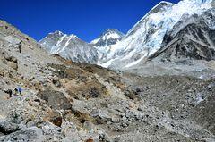 Auf dem Weg von Gorak Shep zum Everest Base Camp.