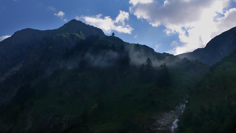 Auf dem Weg zum Baltschieder Klettersteig