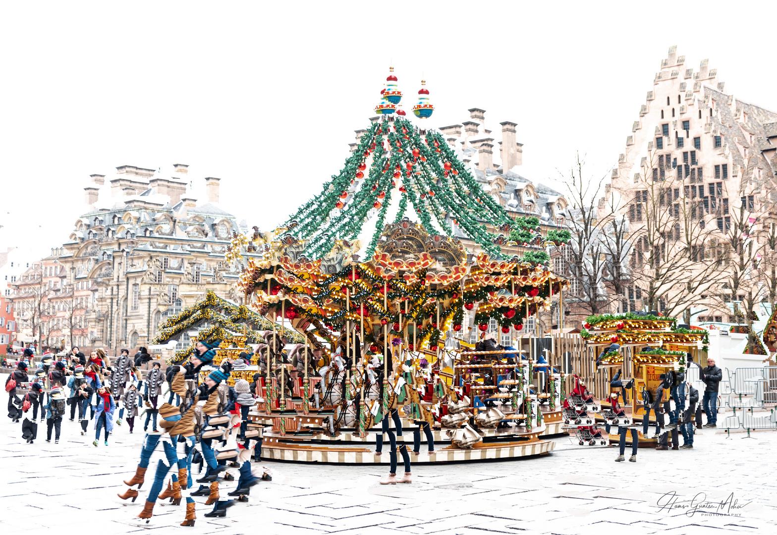 Auf Dem Weihnachtsmarkt In Strassburg Foto Bild Europe