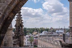 Auf den Dächern der Kathedrale von Sevilla