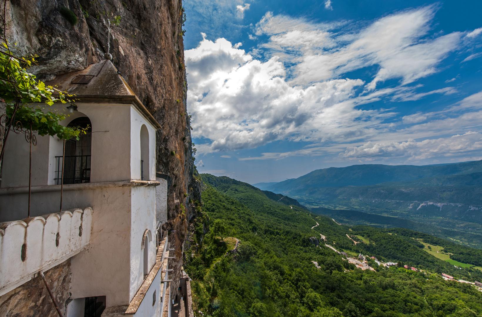 Auf den Spuren des Hl. Vasilji - Kloster Ostrog