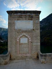 Auf der Brücke über die Drina
