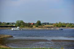 auf der Elbe bei Zollenspieker
