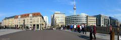 Auf der Friedrichsbrücke in Berlin