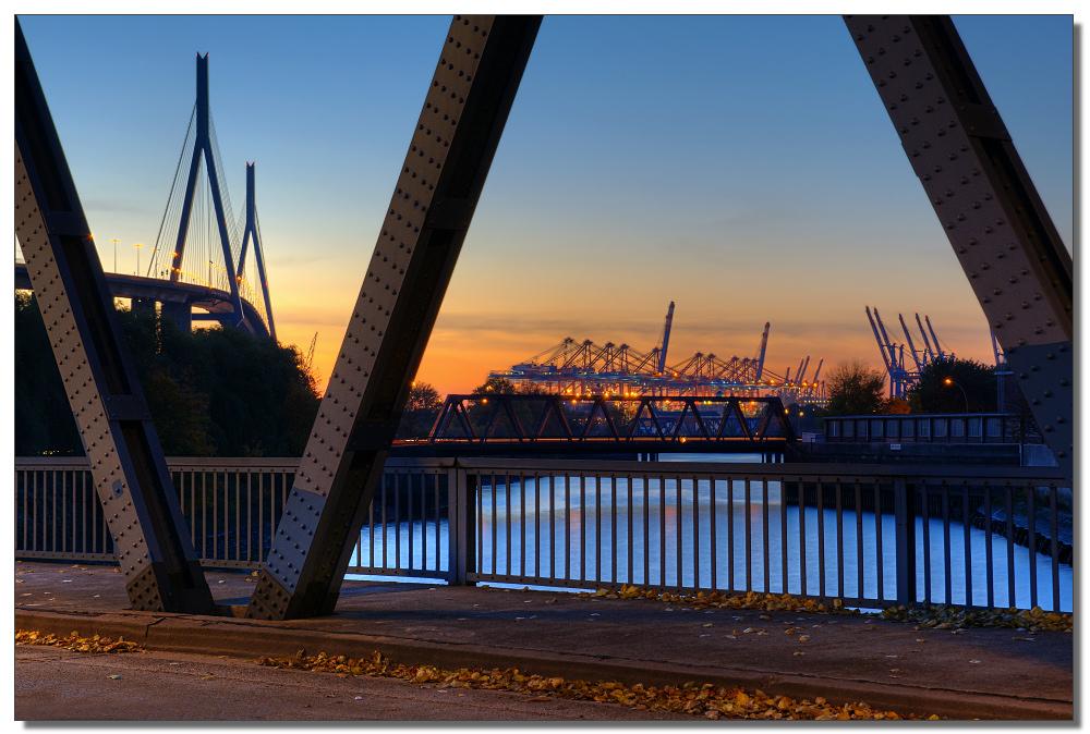 Auf der Hachmannbrücke
