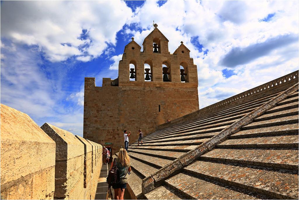 Auf der Kirche von Saintes Maries de la Mer