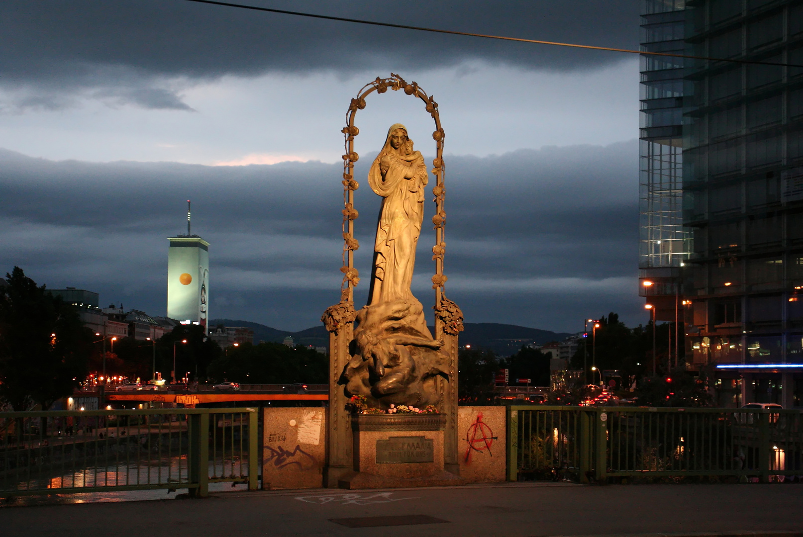Auf der Marienbrücke