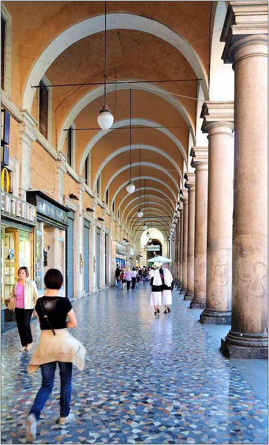 ... auf der Piazza Vittorio Emanuele II ...