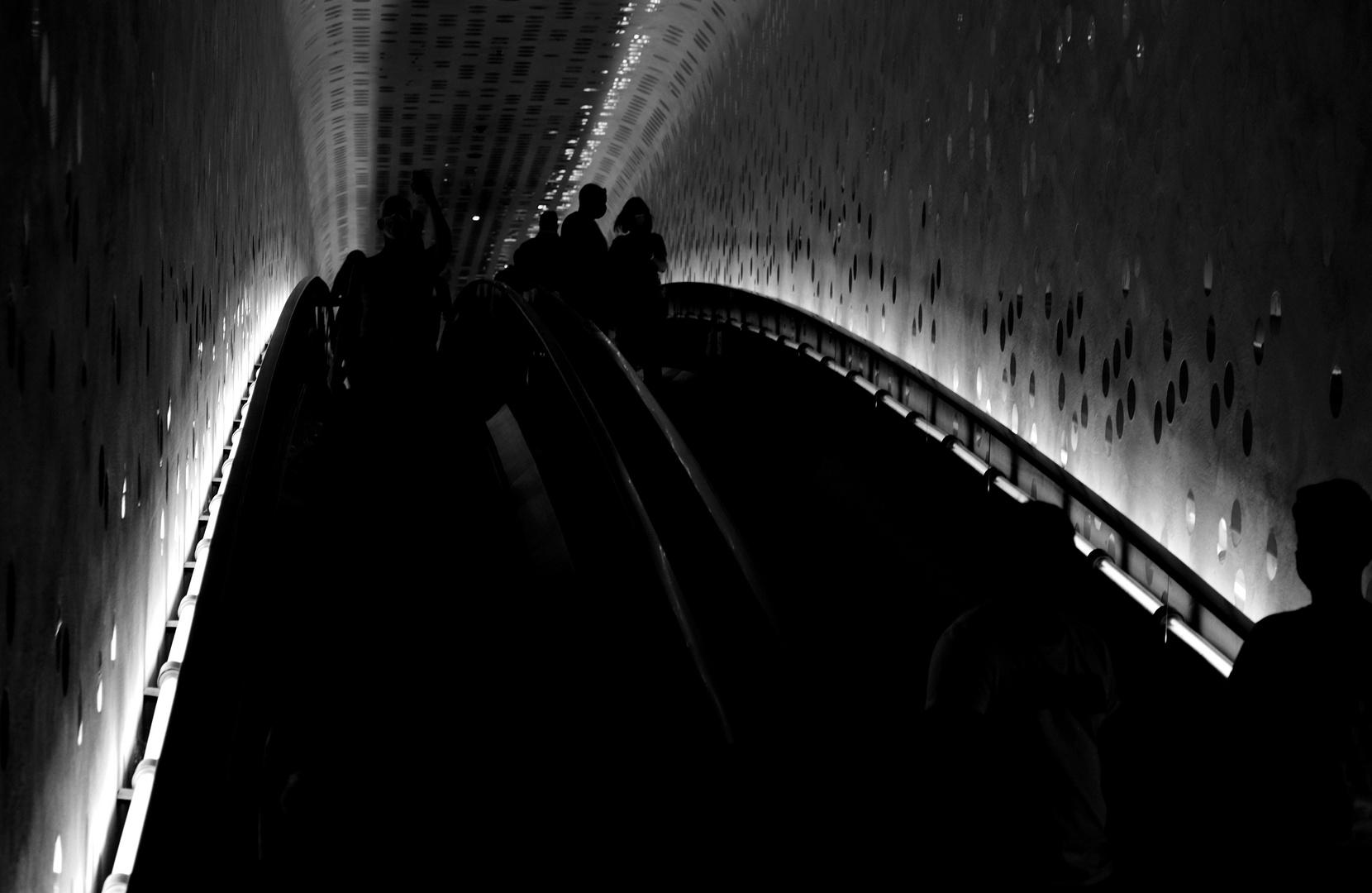 Auf der Rolltreppe.......
