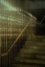 auf der Treppe nach Oben