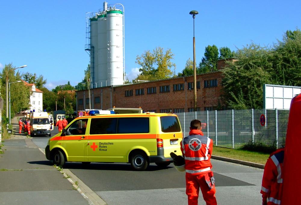 °°° Auf die transportfähigen Verletzten warten sie schon - Die Einsatzwagen °°°