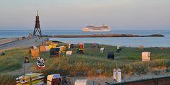 Auf großer Fahrt? Ein letzter Sichtkontakt mit der Heimat an der Kugelbake von Cuxhaven!