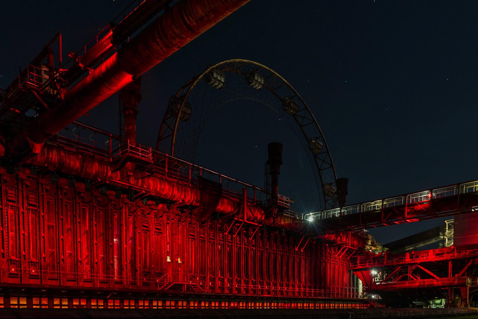 auf Zollverein bei Nacht..mit Sonnenrad