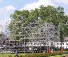 Aufbau einer Bühne