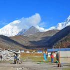 Aufbruchsstimmung in Bhimtang am frühen Morgen
