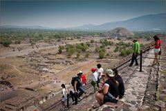 Aufstieg zur Sonnenpyramide Teotihuacan