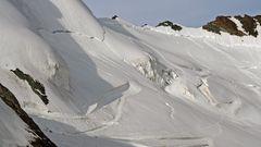 Aufstiegsroute vom Mittelallalin 3500m zum Feejoch 3800m...