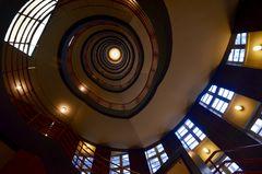 Aufwärts bis in den siebten Stock des Sprinkenhofs