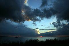 aufziehendes Gewitter über dem Steinhuder Meer, die zweite ;)