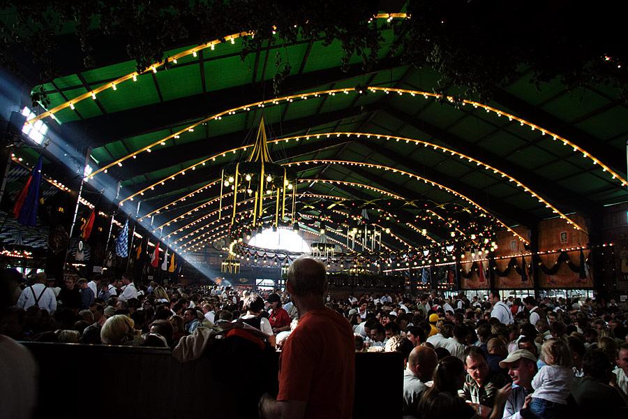 * augustiner-festhalle*