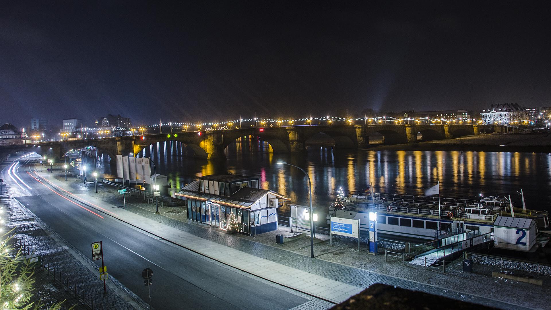 Augustusbrücke Dresden bei Nacht