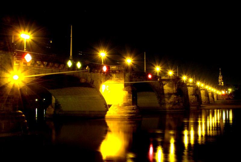 Augustusbrücke in Dresden zur Vorweihnachtszeit
