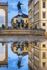 Augustusbrunnen Spiegelung
