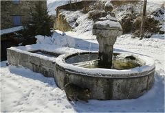 * auprès de la fontaine *