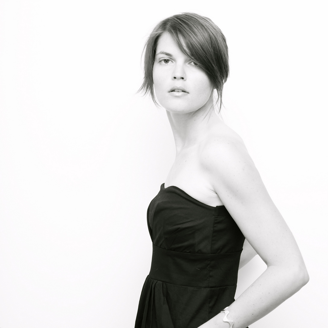 Aurore et la petite robe noire ...