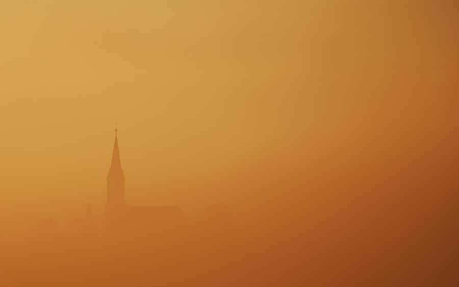 Aus dem Nebel heraus