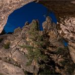 Aus der Höhle heraus.