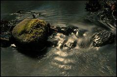 Aus der Mitte entspringt ein Fluß - oder aus dem Bach
