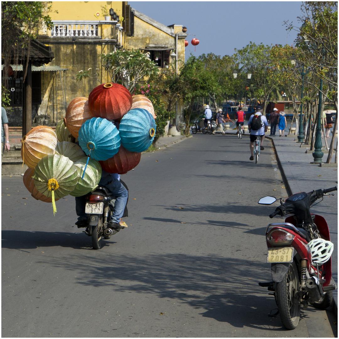 Aus der Welt der Lampiontransporteure in Hoi An