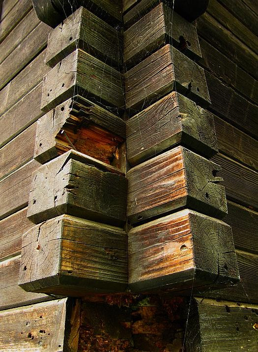 Aus Holz gebaut