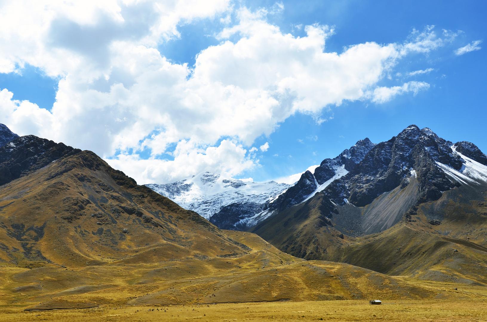 Ausblick vom Abra la Raya Pass zwischen Puno und Cusco